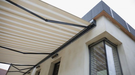 Awning, Folding Arm Awning, Patio Awning, Patio, Courtyard, Hotel, Suffolk, Eye, The Oaksmere, Fabric, Heaters