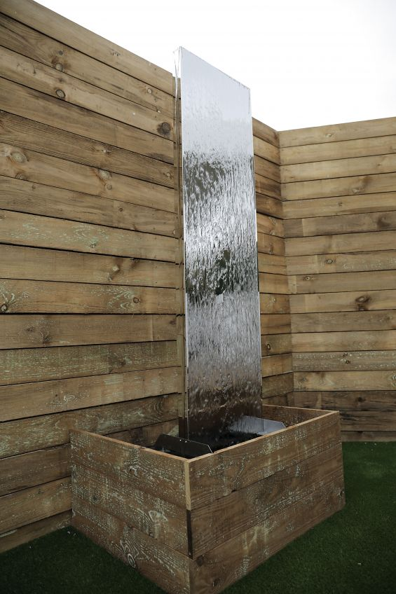 Water Mirror, Mirror, Water Feature, Wooden Fence, Show Site