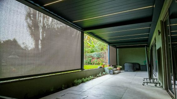 Outdoor Living Pod, Louvered Roof, Wimbledon, Pergola