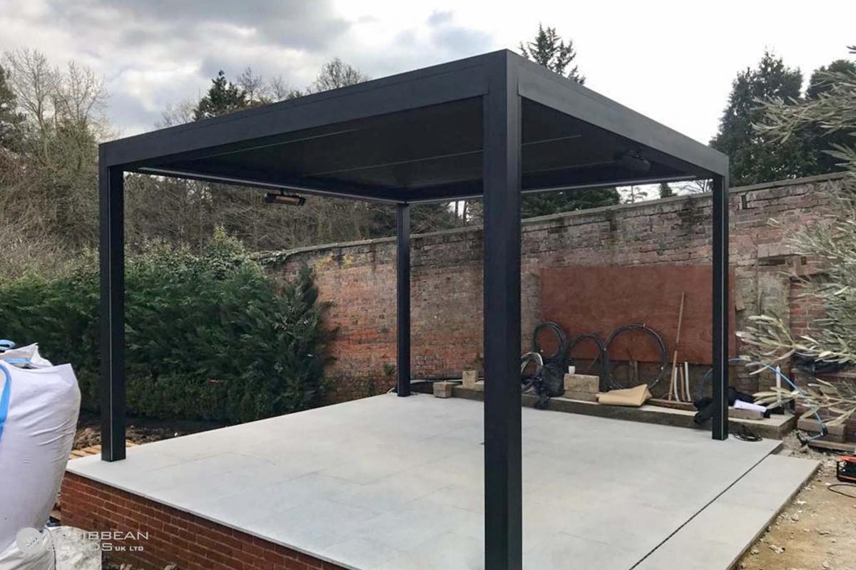45 – Caribbean Blinds – Deluxe Outdoor Living Pod – Freestanding – Keston Park