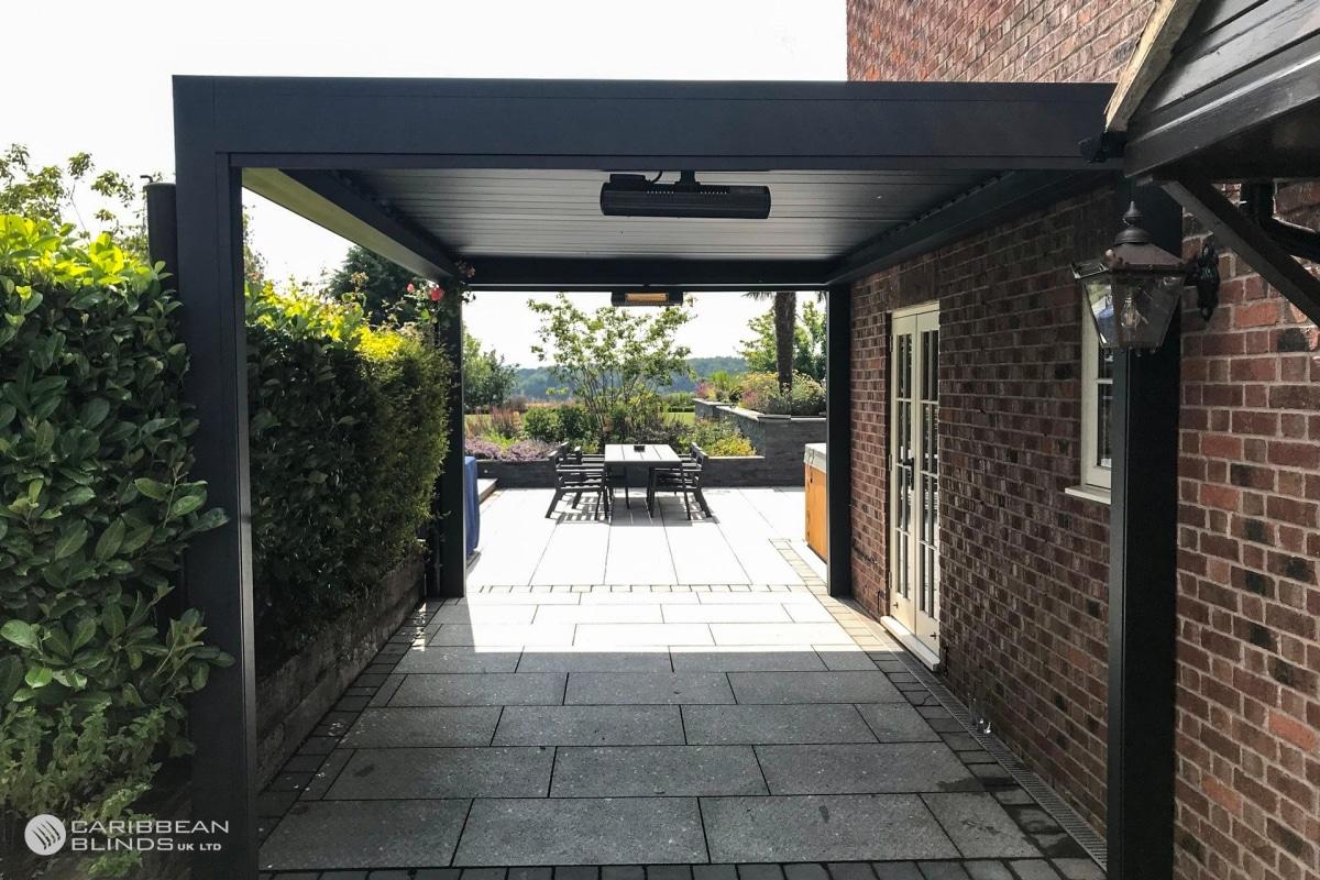 62 - Caribbean Blinds - Deluxe Outdoor Living Pod - Freestanding - Bothamsall