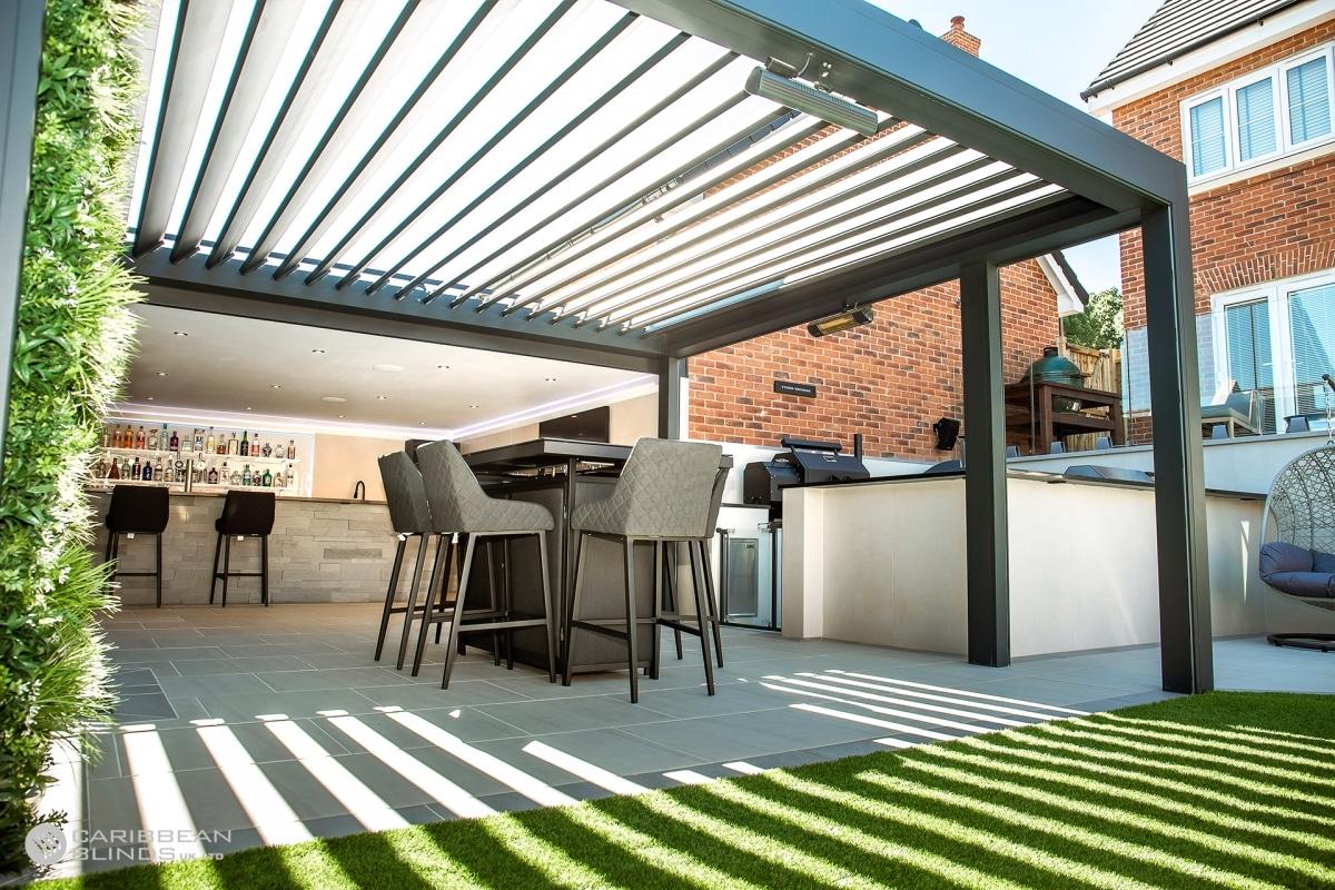 Caribbean Blinds | Outdoor Living Pod | Landscaped Garden | Outdoor Living Area | Outside Bar | Green Living Wall